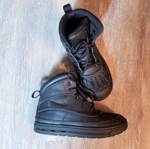Nike acg Woodside boot/sneakers 3y
